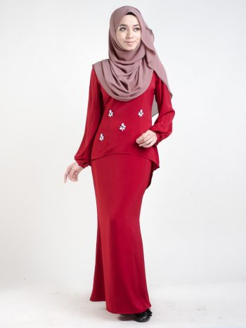 kurung moden simple fishtail red