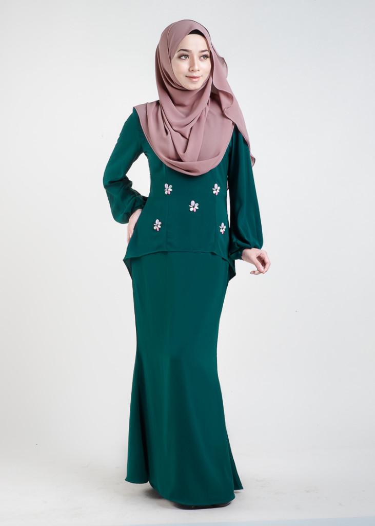 Baju Kurung Moden Asyura Emerald Green - LovelySuri.com 9d5233c6e4