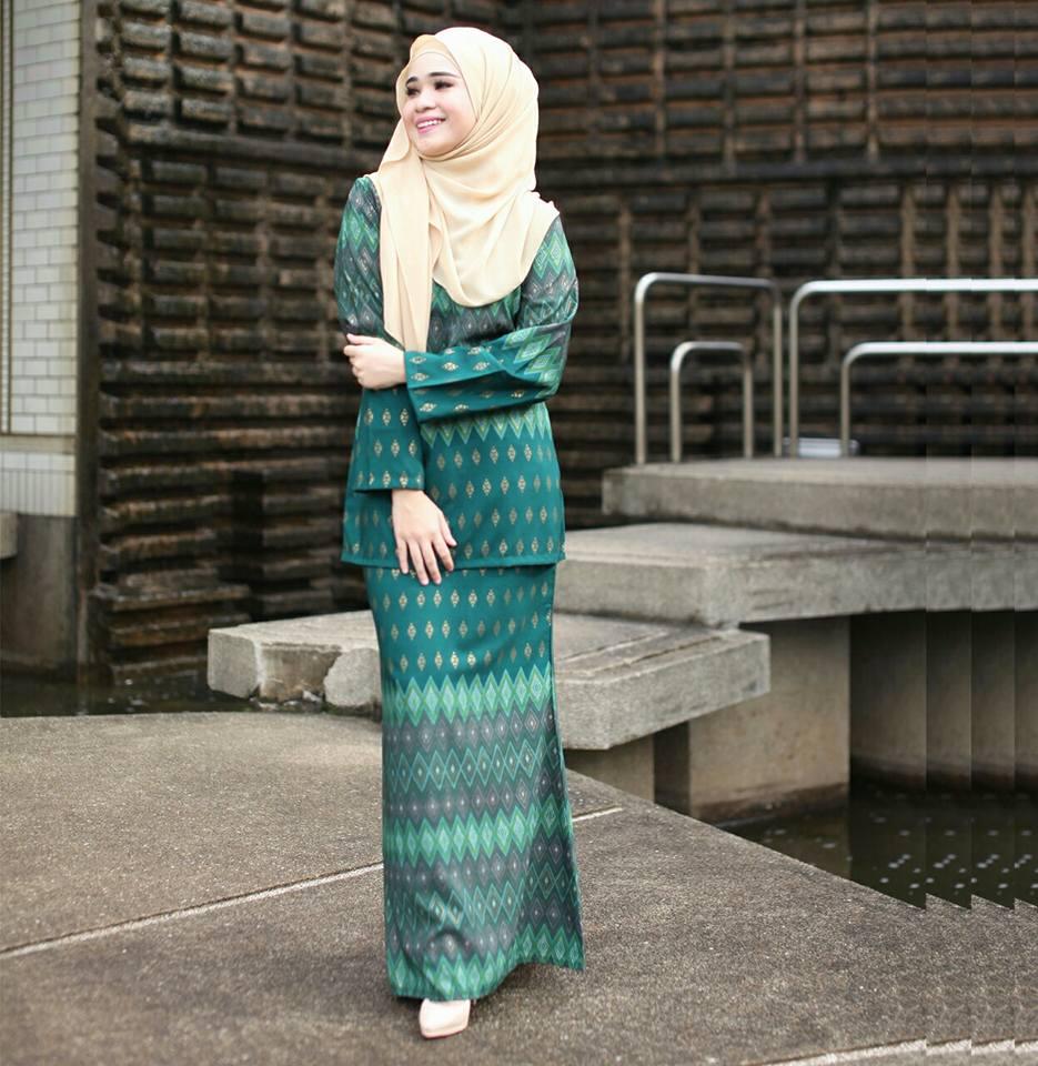 Baju Kurung Moden Mini Pendek Songket Hijau - Saffeya fe946cfe34